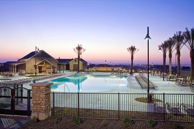 How to Find Pool Contractors near Me